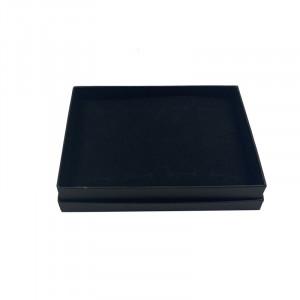 Boîte noire ou blanc de présentation pour bagues