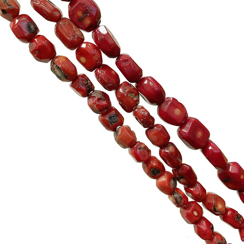 Fils Bambou de mer teinté rouge - Tranches facettées - 41 cm